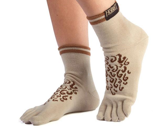 f278_hobbit_feet_socks