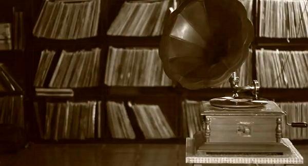 myka9_gramophone