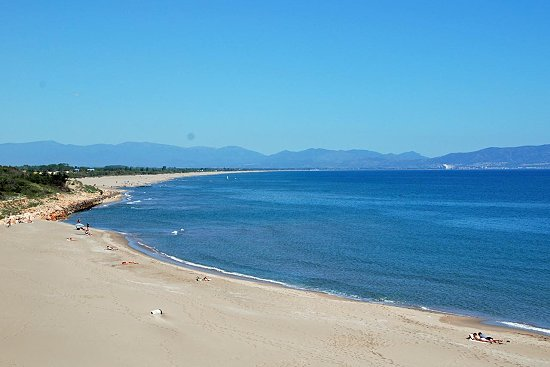 Strand-bei-Sant-Marti-Katalonien