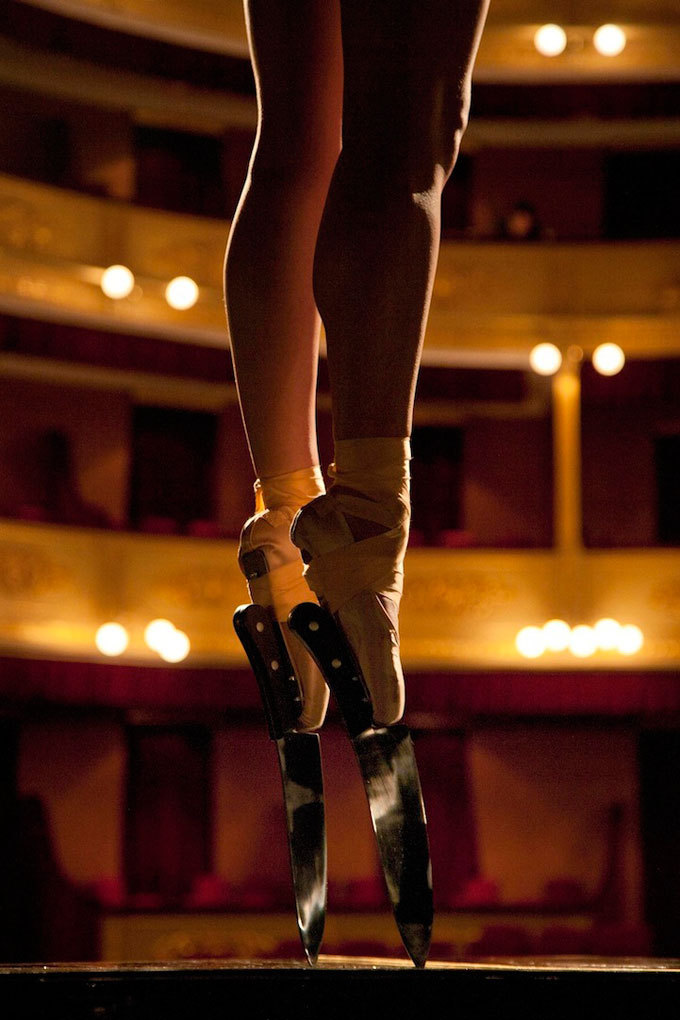 Ballerina-Performs-En-Pointe-with-Knife-Shoes