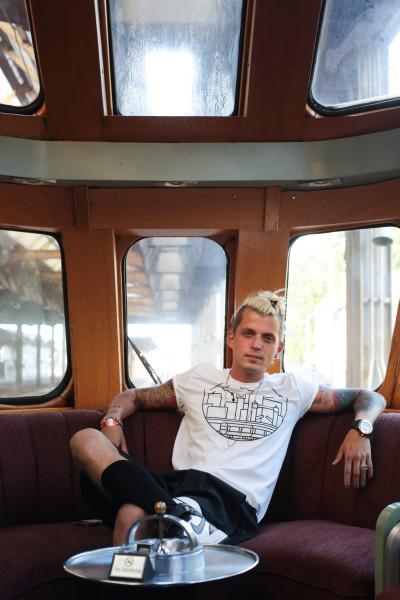 STS_JakobDandyDiary_Train