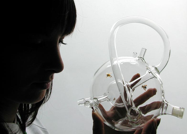 Dezeen_Susana_Soares_Bees_Design_SS_3