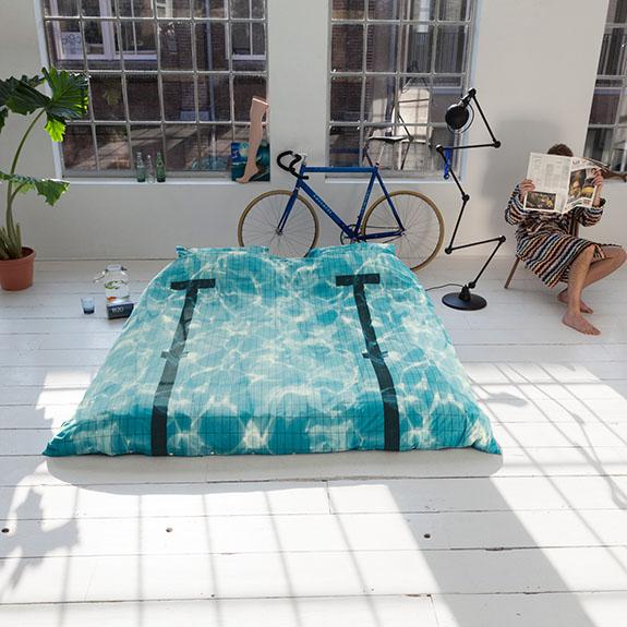 pool-bedding