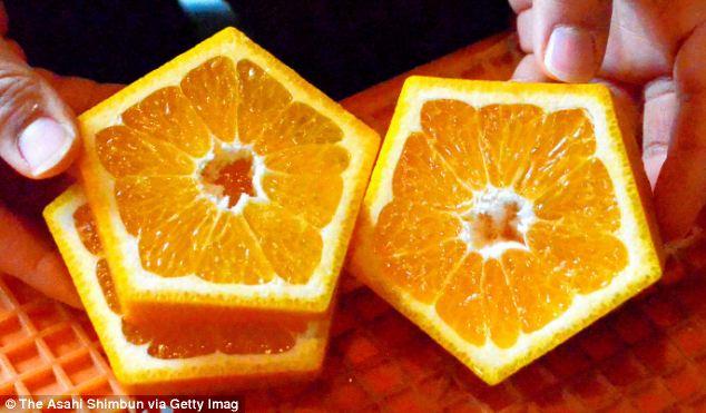Pentagonal-Shaped-Fruit-Cut