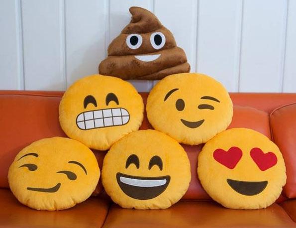 emoji-throw-pillows-1