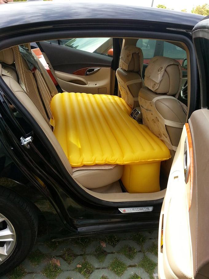 Inflatable-Car-Mattress-1