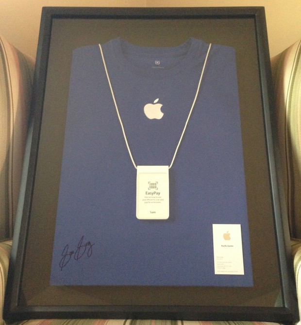 former-apple-specialist-sam-sung-charity-auction-2-620x669