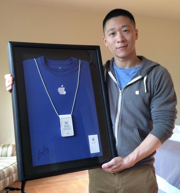 former-apple-specialist-sam-sung-charity-auction-620x665