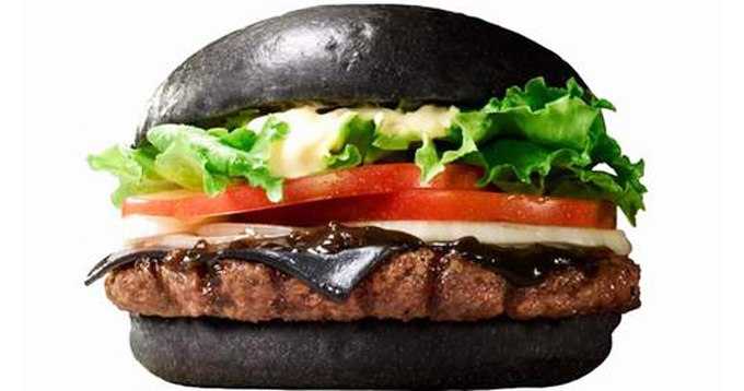 In-Japan-Burger-King-Has-a-Black-Cheese-Burger-1