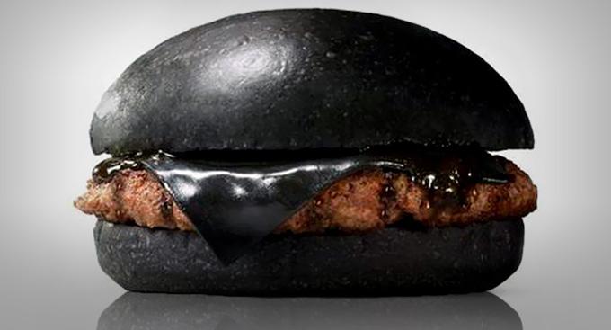 In-Japan-Burger-King-Has-a-Black-Cheese-Burger