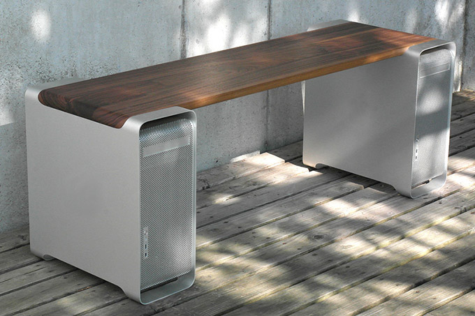 The-Apple-Mac-Bench-made-from-Old-Macs
