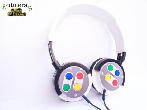snes-headphones1-620x465
