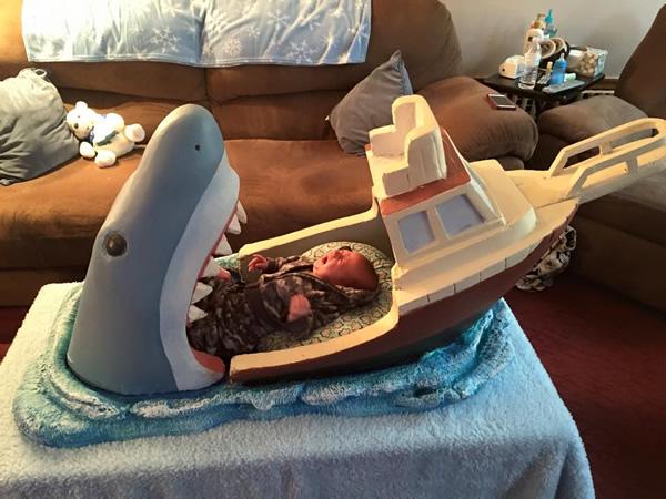 baby-bed-shark-jaws