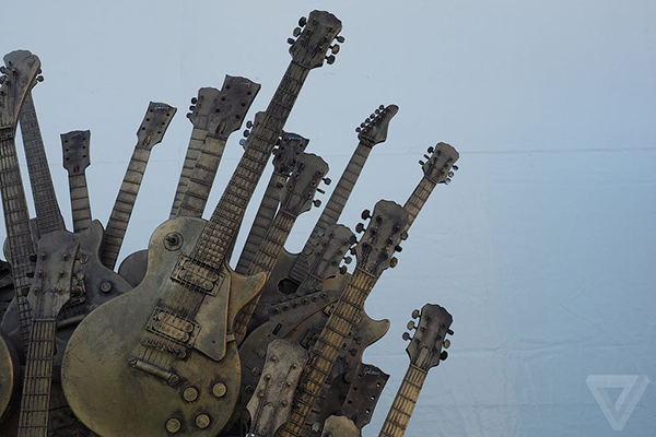 guitar-iron-throne-2