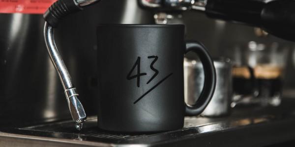 43einhalb-Life-is-too-Short-Tassen-Schwarz-Image