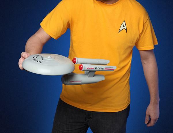 f283_st_uss_enterprise_flying_disc_throw