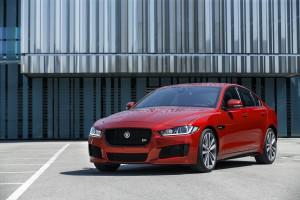 Jaguar_XE_IRR_V6S_098
