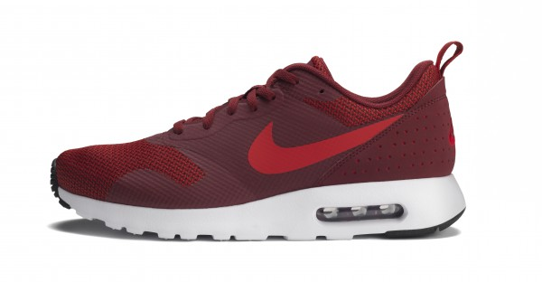 RS93029_Foot Locker Exclusive_Nike Air Max Tavas