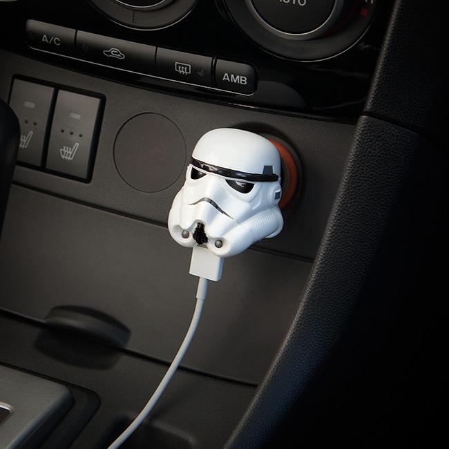 iiuk_stormtrooper_helmet_car_charger