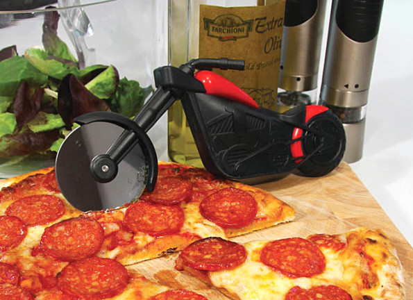 motorcycle-pizza-cutter-595x432