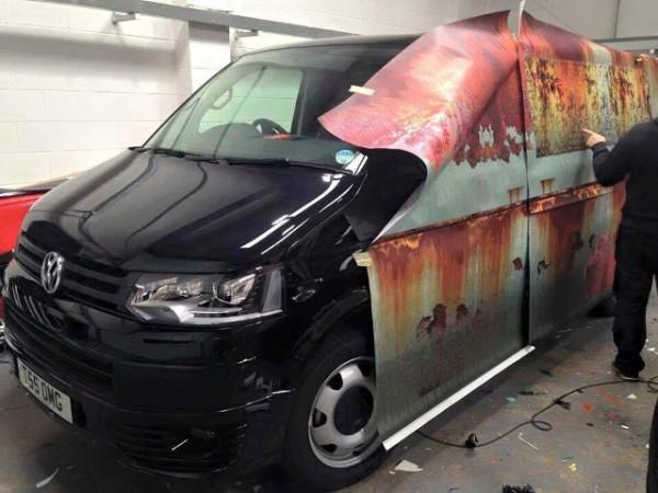 rusty-volkswagen-van-wrap-1