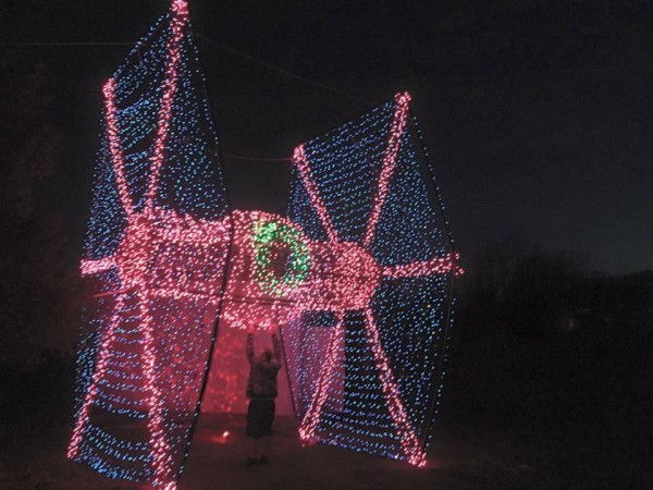 Guy-Builds-Lifesize-TIE-Fighter-Christmas-Lights