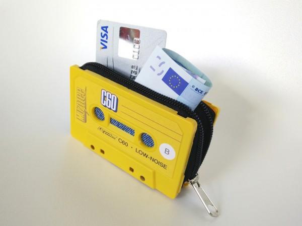 Cassette-Tape-Wallet-Klonblog2