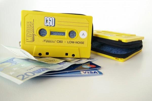 Cassette-Tape-Wallet-Klonblog6