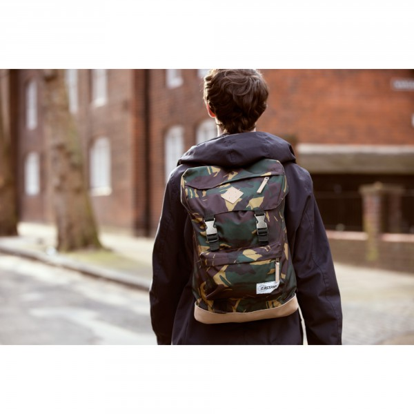 BOLD_Eastpak_SS16_IntoTheOut_Rowlo_IntoCamo_RGB_Blowup