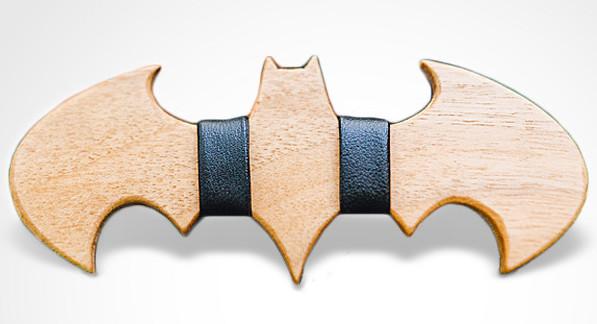 Batman_Bow_Tie_BDW_grey_background_grande