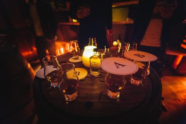 Dewar's Blended Scotch Whisky Blind Tasting