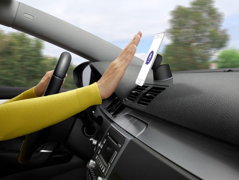 logi-zerotouch-smart-car-mount_5