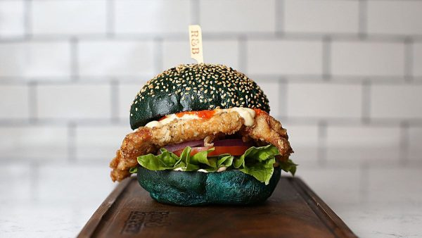 blauer-burger-2