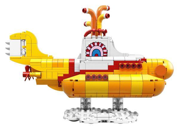 lego-beatles-yellow-submarine3