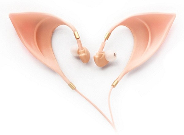 ealf-ear-headphones-alone-1